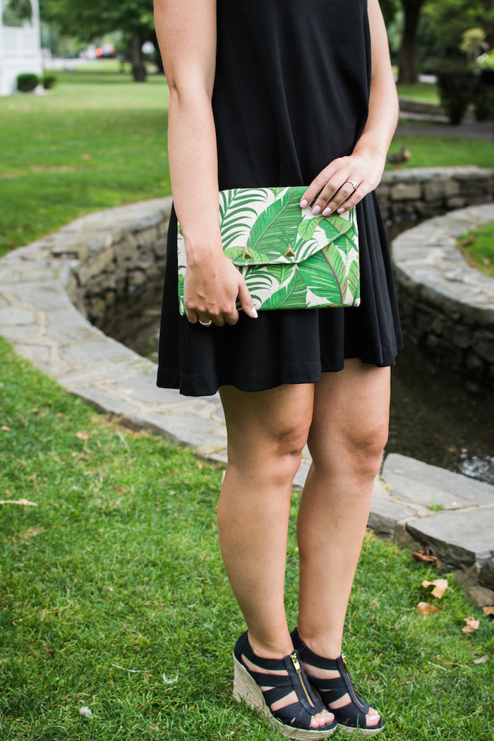 Stella & Dot Palm Leaf Print Clutch